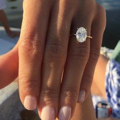 Wedding Rings Simple, Wedding Rings Solitaire, Dream Engagement Rings, Engagement Ring Settings, Bridal Rings, Vintage Engagement Rings, Solitaire Diamond, Circle Wedding Rings, Oval Gold Engagement Ring