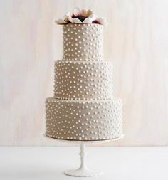Brides Magazine: Winter Wedding Cakes : Wedding Cakes Gallery