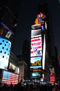 Times Square at dusk, New York City Dusk, New York City, Times Square, Bucket, Pizza, Travel, Viajes, New York, Buckets