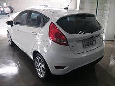 Ford 12/12 Fiesta HATCH SE 1.6 - http://www.carrosportoalegre.com/ford-1212-fiesta-hatch-se-1-6/