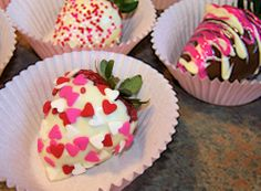 Valentine's Day Dipped and Decorated Strawberries