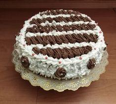 Torta s čokoládovou plnkou k narodeninám (fotorecept) - recept   Varecha.sk Cake, Food, Mudpie, Meals, Yemek, Cheeseburger Paradise Pie, Cakes, Tart, Eten