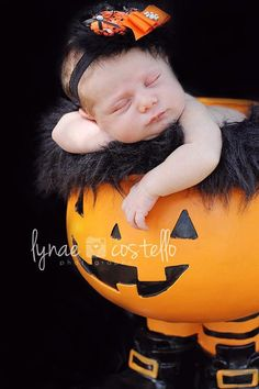 Infant Halloween Headband Orange and black with Feathers #NoTricksAllTreats