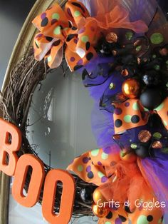 Halloween Wreath Tutorial @Carrie Mcknelly Mcknelly Mcknelly Dutton
