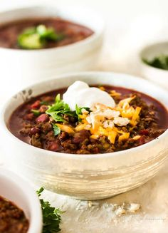 This is hands down the best chili recipe ever! Easy spicy beef chili is thick & robust. No skimpy spices at all. This chili is so rich in FLAVOR with just the right amount of kick! So good, you'll want to hide in the corner and eat it all by yourself! Good Meatloaf Recipe, Best Meatloaf, Meatloaf Recipes, Chili Recipes, Soup Recipes, Drink Recipes, Chowder Recipes, Sweets Recipes, Steak Recipes