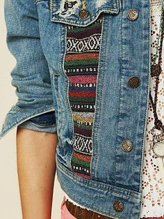 Nice, add a strip of tribal fabric onto a thrift store denim jacket.would be cute with lace inset too. Mode Hippie, Bohemian Mode, Denim Shop, Diy Fashion, Ideias Fashion, Fashion Design, Fashion Trends, Tribal Fabric, Diy Vetement