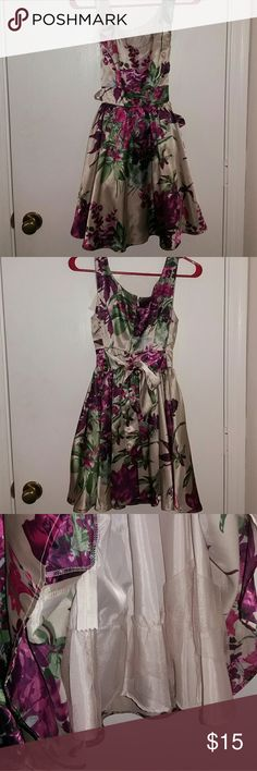 Twenty One Floral Print Dress This dress is very silky against the skin and comfortable. Twenty One Dresses Mini
