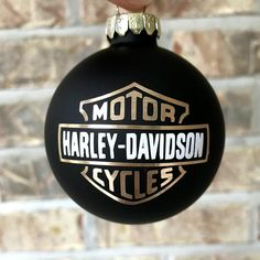 Outstanding Harley Davidson images are offered on our website. Take a look and you wont be sorry you did. Harley Davidson Bike Images, Harley Davidson Gifts, Harley Davidson Iron 883, Motorcycle Images, Motor Harley Davidson Cycles, Harley Davidson Street Glide, Harley Davidson Motorcycles, Harely Davidson, Harley Davidson Merchandise