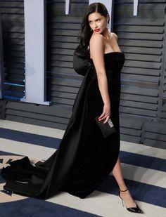 Adriana Lima – 2018 Vanity Fair Oscar Party in Beverly Hills Irina Shayk, Adriana Lima, Top Models, Claudia Schiffer, French Beauty Secrets, Vanity Fair Oscar Party, Girl Photo Poses, Red Carpet Looks, Red Carpet Fashion