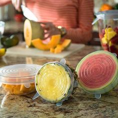 reusable Silicone Stretch Lids special for preserve leftover avocado, onion halves or unused, sauce when you're done cooking or eating. Cool Kitchen Gadgets, Cool Kitchens, Cooking Stores, Cooking Classes, Plastic Food Containers, Four Micro Onde, Marinade Sauce, Grater, Health Products