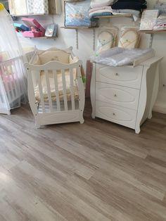 Patut din lemn de pin si comoda Cribs, Furniture, Home Decor, Cots, Homemade Home Decor, Bassinet, Crib Bedding, Home Furnishings, Crib