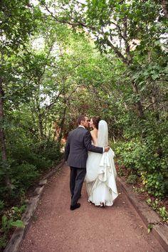 Bride + Groom || Colorado Wedding Photographer || Arrowhead Golf Course || wearemattandjess.com