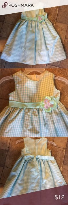 Girls Summer Dress Goodlad So cute! Dress by Goodlad of Philadelphia,Sz 4T.Worn once and in great condition.Blue & White Gingham with and tie bow in back and a little tulle underneath. Goodlad Dresses Formal