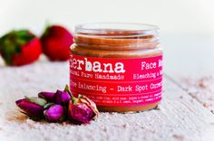 Skin Tone Balancing & Dark Spot Correction Pink Clay Mask with Strawberry extract, Laminaria Seaweed, Pink Clay and Rosehip Oil.  This special complexion even out skins tone, minimizes the appearance of age spots and sun damage, illuminating and making your skin look radiant. It helps control future breakouts, evens skin tone, and promotes wound healing. Energizes and recharges visibly dull, tired and lackluster skin and minimizes dark spots.  Rebalances the pH of the skin, restoring a he...