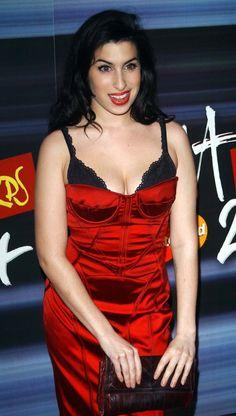 Amy Winehouse at Brit Awards 2004