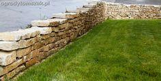 wapień murowy, budowa murku, murek oporowy, żółty kamień na murki, ogród, mały, skarpa, trawnik, siew, trawa, zakładanie trawników w Bielsku