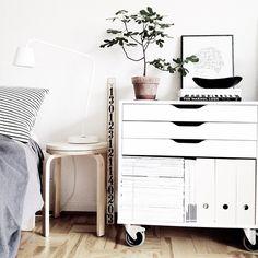 the storage (ikea) Home Bedroom, Bedrooms, Bedroom Decor, Scandinavian Interior, Interior Inspiration, Bedroom Inspiration, Decoration, Home And Living, Diy Furniture