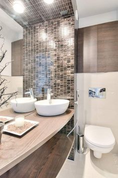 17 Wonderful Bathroom Design With Small Tile Ideas To Inspire You 3 Best Bathroom Tiles, Cream Bathroom, Mosaic Bathroom, Bathroom Tile Designs, Bathroom Flooring, Bathroom Ideas, Mosaic Designs, Mosaic Tiles, Bad Inspiration