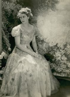 Princess Elizabeth Dressed by Norman Hartnell. Photo: Cecil Beaton, Vogue, March 1946