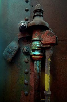Rust | さび | Rouille | ржавчина | Ruggine | Herrumbre | Chip | Decay | Metal | Corrosion | Tarnish | Texture | Colors | Contrast | Patina | Decay | Bruce Holter | by Rust-Art-Group
