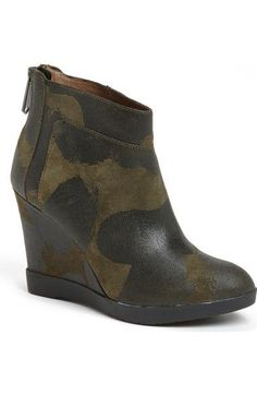 Donald J Pliner Green Suede Camo Chez Ankle Wedge Booties Boots Size 9.5