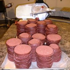 Country Style Bologna recipe: This isn't the light pink stuff in slices that you put in a kids sandwich. It's a dark red, all-meat smoked sausage that's hardy, filling, and flavorful. Venison Bologna Recipe, Homemade Bologna Recipe, Smoked Bologna Recipe, Bologna Recipes, Homemade Sausage Recipes, Venison Recipes, Meat Recipes, Deer Bologna Recipe, Homemade Pastrami