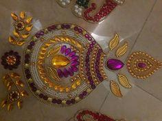 Kundan rangoli Free rangoli stencil of 8 with kundan image 7 Rangoli Designs Flower, Rangoli Border Designs, Rangoli Ideas, Rangoli Designs Diwali, Flower Rangoli, Kalash Decoration, Diwali Decoration Items, Handmade Decorations, Art For Kids