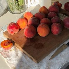 peach, fruit, and food image Food N, Good Food, Food And Drink, Yummy Food, Brunch, Think Food, Aesthetic Food, Peach Aesthetic, Cravings