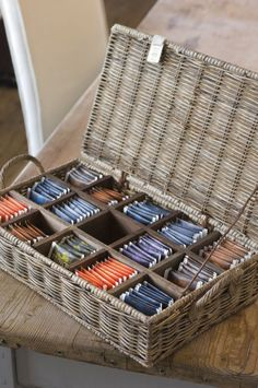 Riviera Maison tea box - hmm, what to do with non-individually packed teabags, like Celestial Seasons? Wicker? moisture control issues?