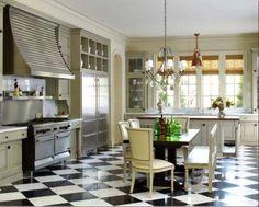 Beautiful black and white flooring #kitchen @Colette van den Thillart Walker