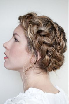 Alternatives to the Traditional Veil - Wedding Hair Inspiration for Brides Who Hate Veils- Livingly