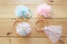 ダイソーのチュール生地で簡単可愛いヘアゴムを量産! LIMIA (リミア) Fabric Crafts, Sewing Crafts, Hair Bow Supplies, Crochet Slipper Pattern, Kids Hair Accessories, Diy Hair Bows, How To Make Bows, Hair Jewelry, Diy Hairstyles