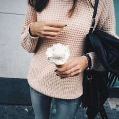 chunky knit sweater and skinny jeans...yum