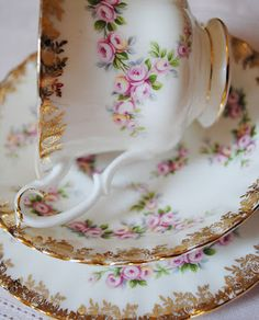 Gold embellished baby roses - Royal Albert Dimity Rose trio -- tea cup, saucer and bread and butter plate. Vintage Dishes, Vintage China, Vintage Tea, Antique China, Fingers Food, Teapots And Cups, Teacups, Cuppa Tea, China Tea Cups
