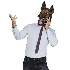 Latex dierenmasker van een Duitse herder. Materiaal: 100% latex. Dit hoofdmasker van een Duitse herder is perfect voor carnaval of een themafeest. Het hondenmasker bedekt het hele hoofd en heeft openingen voor de ogen om door te kunnen kijken. het masker is gemaakt van latex.Maak je outfit compleet met een hond onesie en je bent klaar voor elk feest!