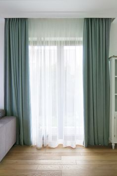 Living Room Decor Curtains, Home Curtains, Living Room Flooring, Home Room Design, Home Interior Design, Dark Wood Living Room, Interior Paint Colors For Living Room, Home Modern, Grey Room