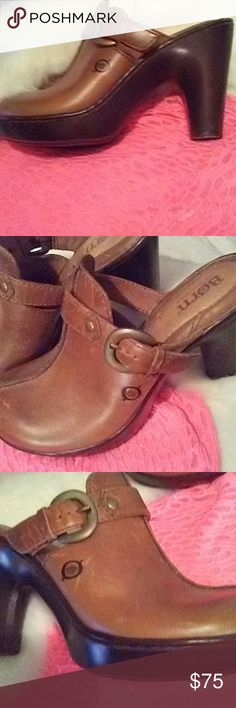 New never worn Born tan clogs NWT Never worn Born tan clogs from Dillards Born Shoes Mules & Clogs