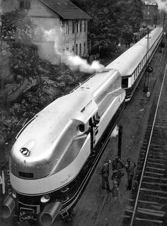 A streamlined steam train of the German Railways (vehicle number 6100, wheel arrangement: 2'C'2), 1936.  https://www.pinterest.com/clandrummond/german-trains/