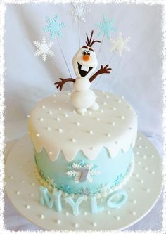 Frozen Olaf cake with snowflake toppers - 2014 Halloween desserts
