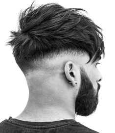 braid low bald fade messy textured mens haircut These are the best new men's haircuts and cool men's hairstyles that you can get in Update your style now with a fresh look! New Mens Haircuts, Mens Medium Length Hairstyles, Cool Hairstyles For Men, Trending Haircuts, Hairstyles Haircuts, Modern Mens Haircuts, Messy Haircut, Fade Haircut, Men Haircut 2018