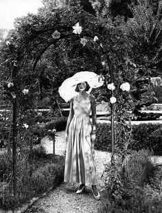 """""""Garden Party"""" by Patrick Demarchelier for Vogue US February 1992"""