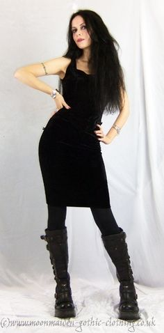 Moonmaiden Gothic Clothing - Moonshadow Wiggle Skirt