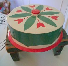 Vintage cake carrier...I have one of these!