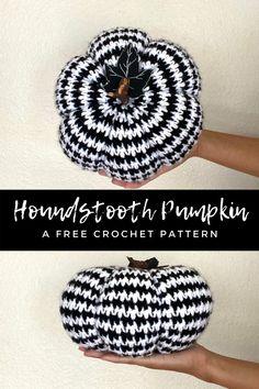 Crochet Fall Decor, Crochet Decoration, Holiday Crochet, Crochet Crafts, Crochet Yarn, Crochet Projects, Crochet Ideas, Crochet Skull, Crochet Toys