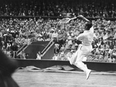 Fred Perry, en la final de Wimbledon de 1936 / Hudson (Getty Images)