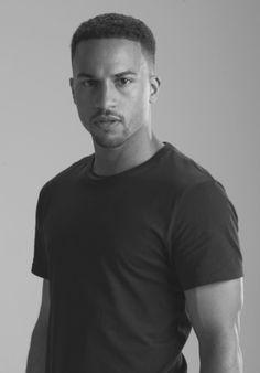 Michael Xavier Hot Black Guys, Black Men, Handsome Actors, Black And White Pictures, Mens Tops, T Shirt, Fashion, Supreme T Shirt, Moda