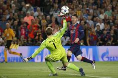 Lionel Messi scored two goals and set up a third as Barcelona beat Bayern Munich, and took a giant step toward the Champions League final. Best Football Goals, God Of Football, Football Soccer, Soccer Teams, Soccer Stuff, Uefa Champions League, Barcelona Football, Fc Barcelona, Sports