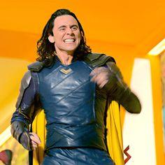 tom hiddleston as Loki Loki Thor, Loki Laufeyson, Loki Gif, Marvel Dc, Wanda Marvel, Thomas William Hiddleston, Tom Hiddleston Loki, Marvel Characters, Marvel Movies