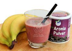 Smoothie mit Banane, Chia-Samen und Aronia Pulver: 3 gehäufte TL Bio #Aronia ORIGINAL Pulver 250 ml Wasser 250 ml #Kokoswasser 2 #Bananen #Chia Samen ➽ lecker