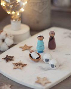 #Collaborazione con #Dalani  #ContentCreation #VisualContentCreation #InstagramPost #photoshooting   #Vintage #stilllife #NativityDIY #Marblebackdrop #MyDalaniStyle #sponsored Christmas Decorations, Instagram Posts, Christmas Decor, Christmas Tables, Christmas Jewelry